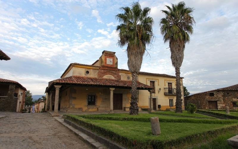 Mairie de Granadilla, l'un des rares bâtiments originaux