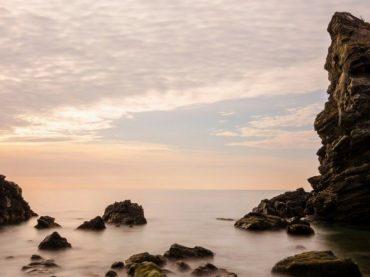 La tour que la mer a emportée sur la plage Alberquillas
