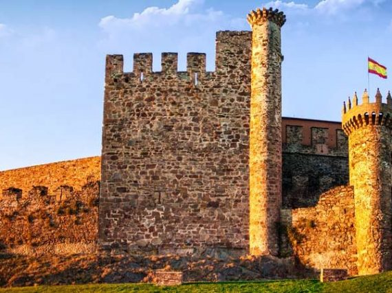 Les 6 châteaux gothiques impressionnants de Castille et Leon