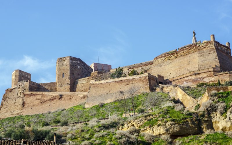 Rampe d'accès au Château Templier de Monzón