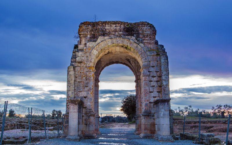 Arc romain de Cáparra