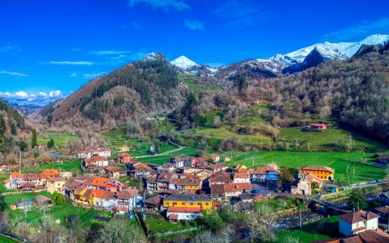 Les hameaux qui composent la paroisse d'Espinaréu sont idéaux pour passer les mois d'été