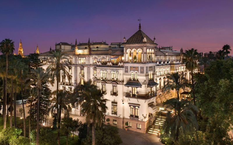 Extérieur de l'hôtel Alfonso XIII à Séville