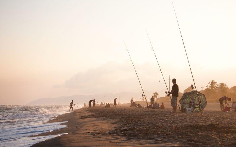 Pêcheurs sur la plage de Gavà, Barcelone
