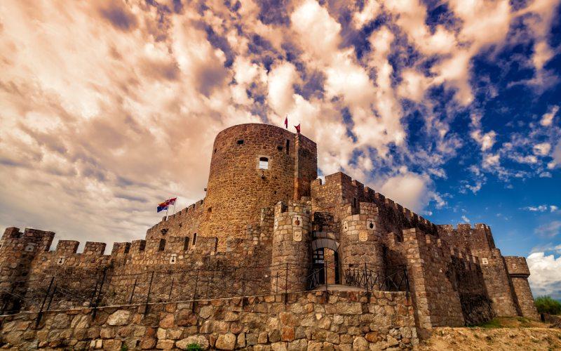 Le château de La Adrada