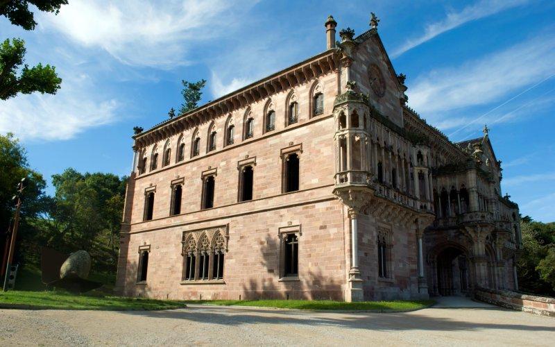 Façade latérale du Palais de Sobrellano