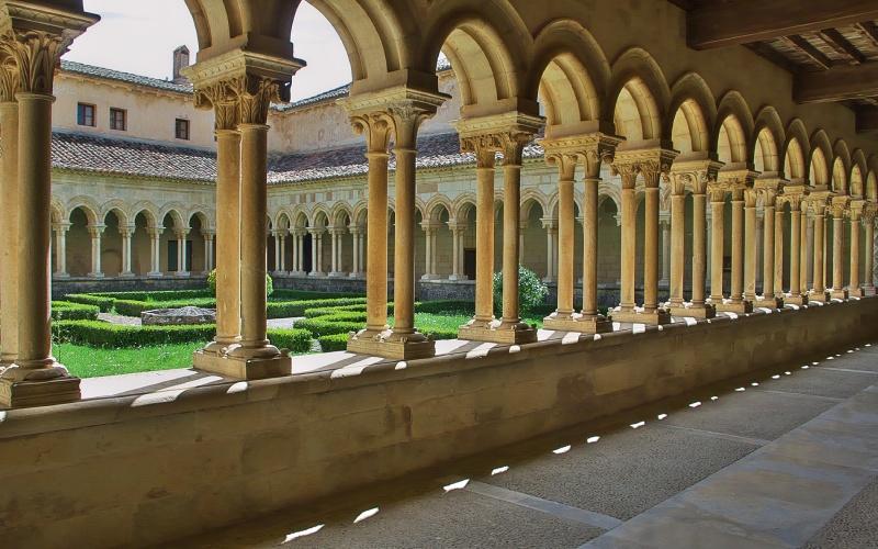 Cloître roman de l'abbaye de San Andrés de Arroyo