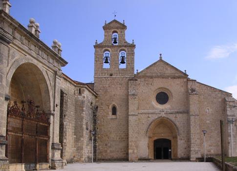 Fachada del monasterio. principal lugar que ver en San Juan de Ortega