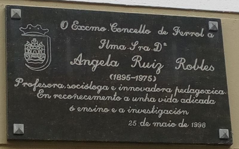 Plaque commémorative de la ville de Ferrol à Ángela Ruiz Robles