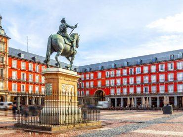 La Plaza Mayor de Madrid : 400 années d'Histoire, 5 noms différents et mille usages divers