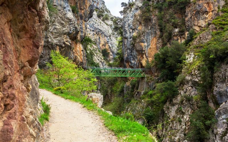 Le pont de Los Rebecos sur la route du Cares