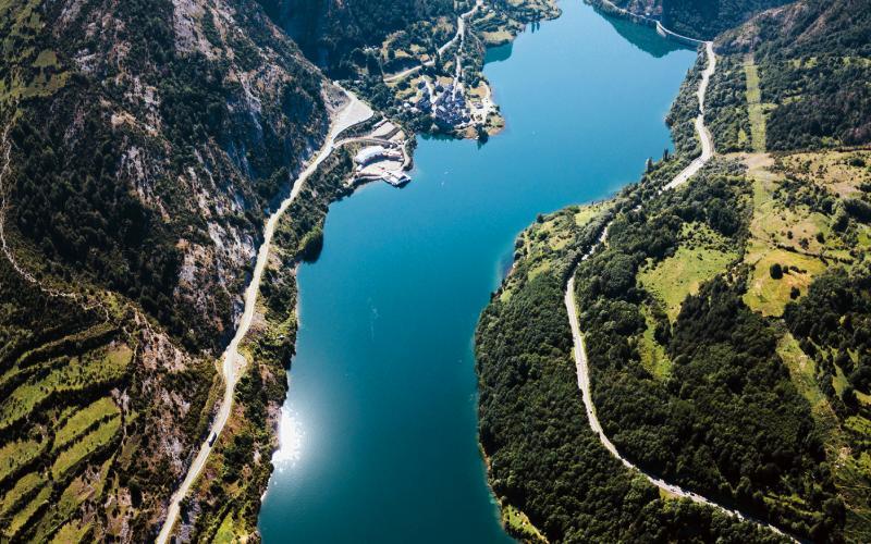 Sallent de Gallego et lac du barrage de Lanuza