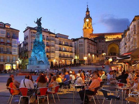 Restaurants à Vitoria-Gasteiz où ses gens y mangent