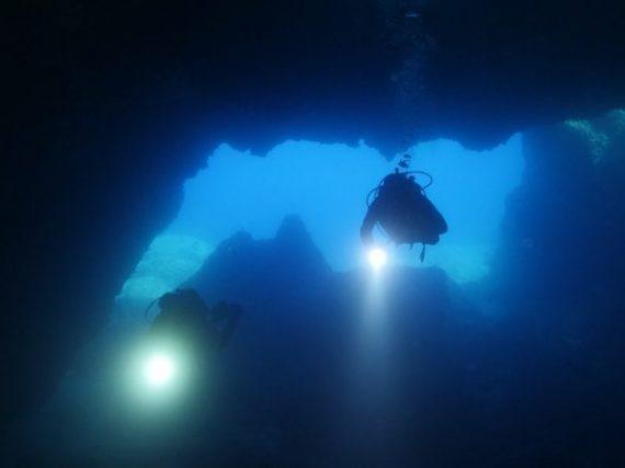 Le tunnel de l'Atlantide, le plus long tunnel de lave sous-marin du monde