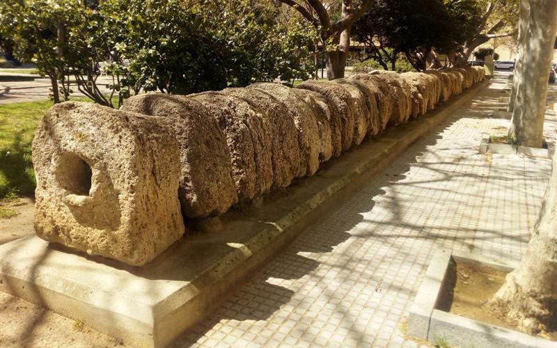 Fragment de l'aqueduc de Cadix sur la place Asdrubal