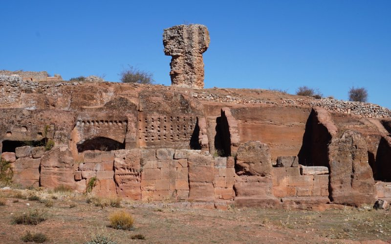 Le complexe archéologique de Tiermes, à côté de son aqueduc