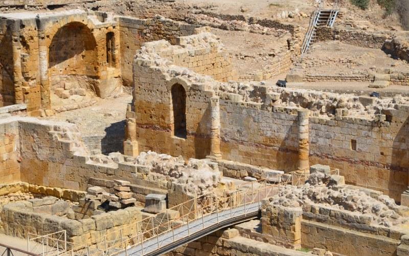 Une vue rapprochée de l'amphithéâtre romain