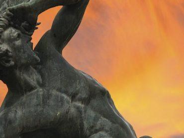 Statue de l'ange déchu dans le Retiro, une porte vers l'enfer