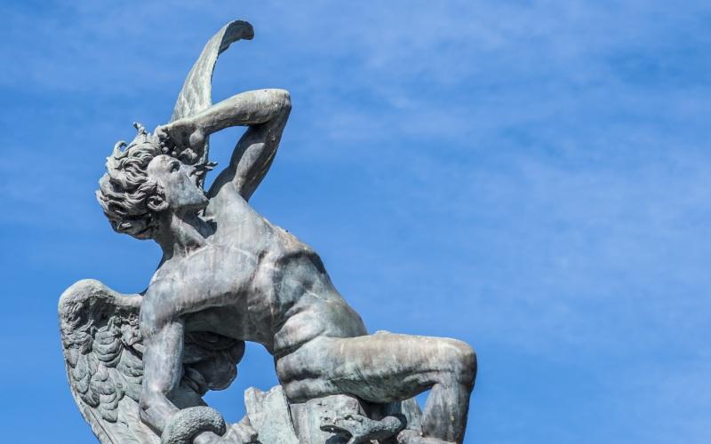 Statue de l'ange déchu, parc du Retiro