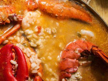 Recette de riz au homard, le riz parfait pour une occasion spéciale.