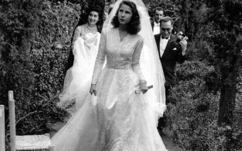 Cayetana le jour de son mariage dans les jardins