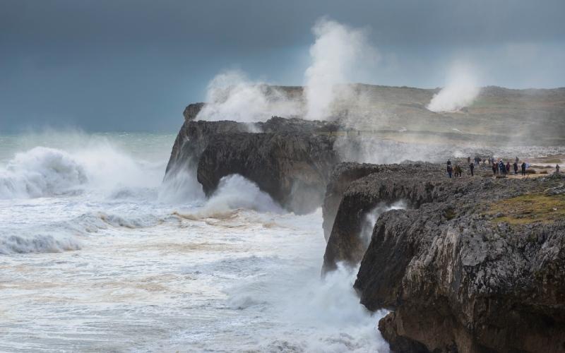 Souffleurs de Pría sous l'orage