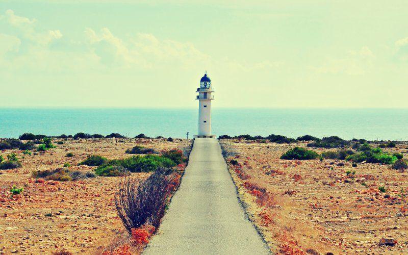 Dernier tronçon de la route menant au phare de Barbaria