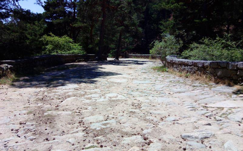Chaussée des Bourboms à Cercedilla