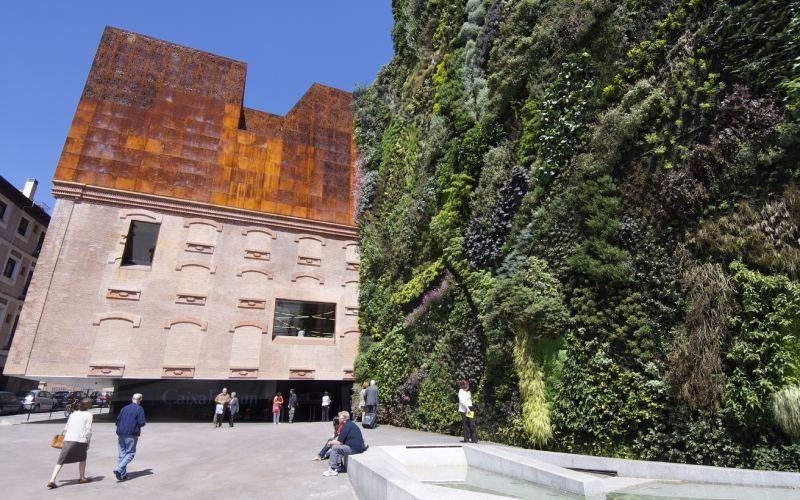 Le jardin vertical du CaixaForum à Madrid