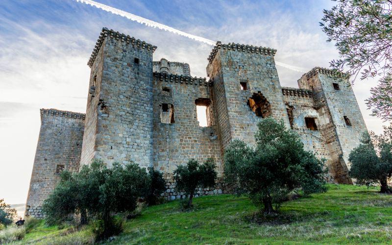 Tours du périmètre du château de Belalcázar