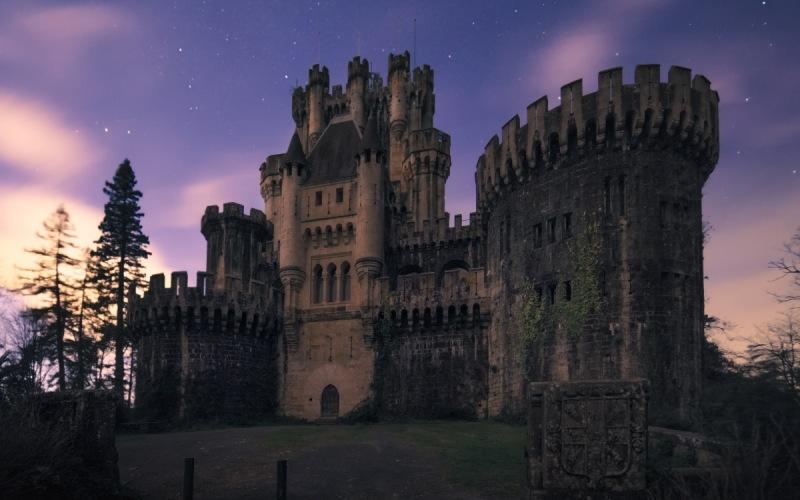 Le château de Butrón la nuit