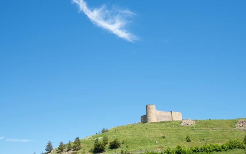 Le château de Medinaceli est le gardien solitaire de la région