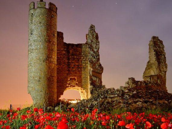 Le château de Rivadeneyra, foyer de chevaliers hier, attrait pour photographes aujourd'hui