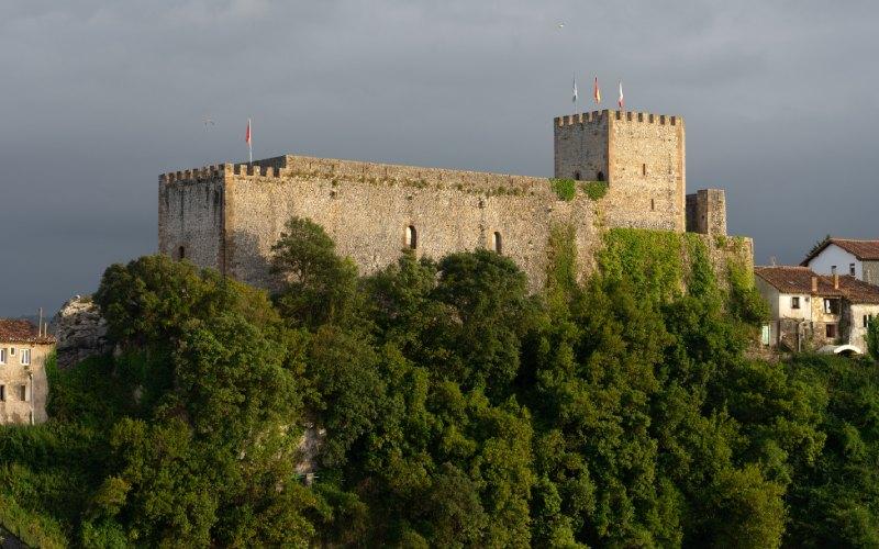 Le château du roi était petit mais puissant