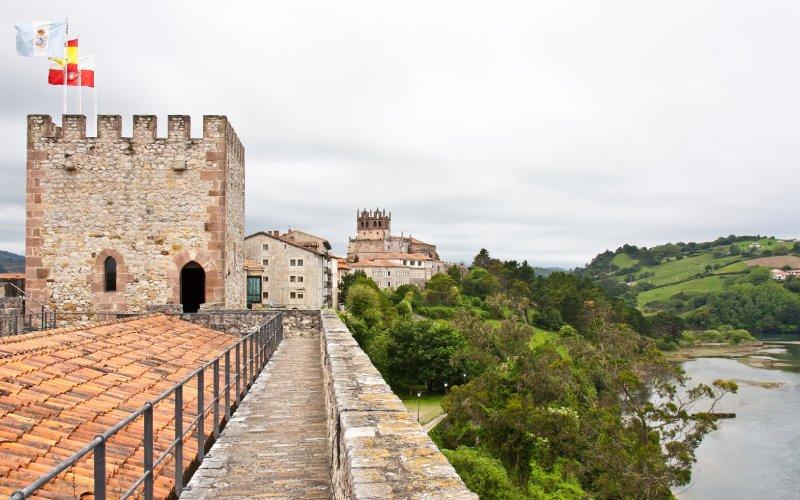 Intérieur du château de San Vicente de la Barquera
