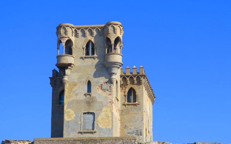 Tour de guet du château de Santa Catalina