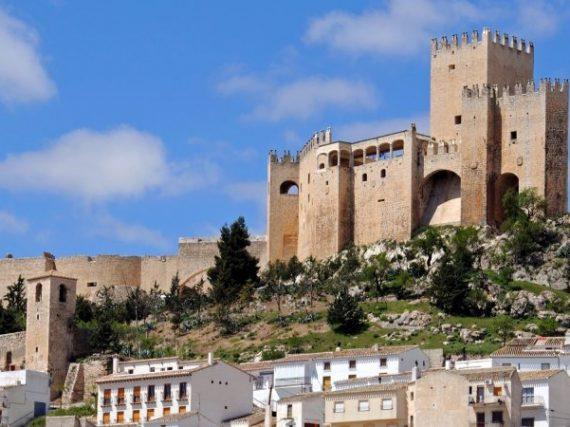 Le château de Vélez-Blanco, le palais vêtu de forteresse dont la cour d'honneur est maintenant à New York