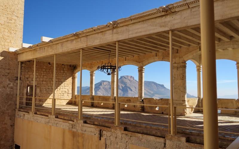 Ce qui reste de la galerie supérieure du château de Vélez-Blanco
