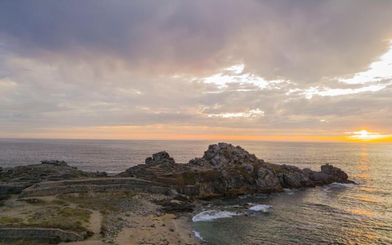 Castro de Baroña au coucher de soleil