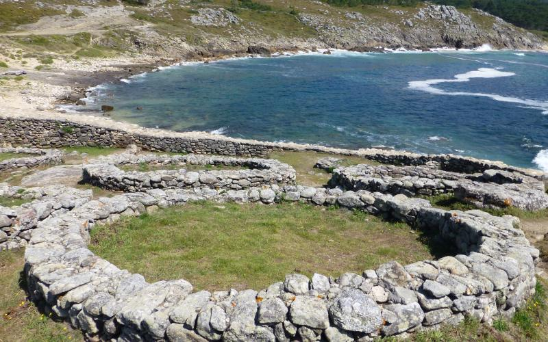 Une demeure dans le castro de Baroña