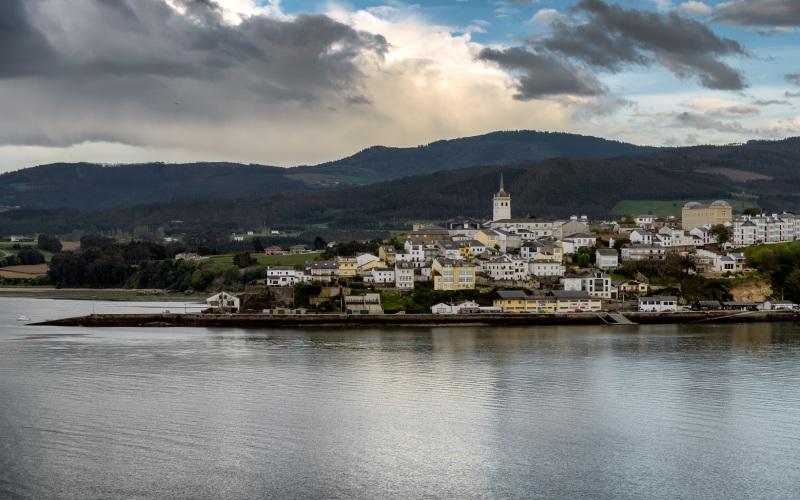 Castropol, sur le versant asturien