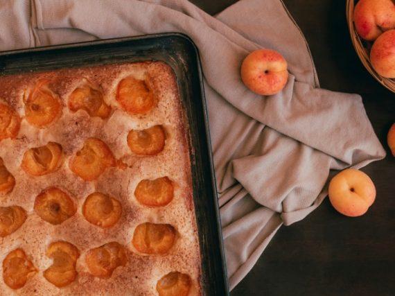 Coca amb tallades aux abricots, un gâteau majorquin pour les grandes occasions