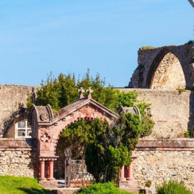 Cimetière gothique de Comillas, beauté spectrale face à la mer | Le Refuge du Week-end