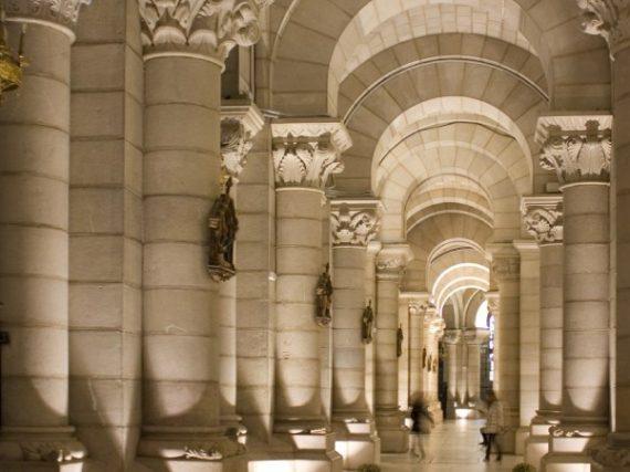 11 cryptes fascinantes de grands temples en Espagne, des secrets souterrains