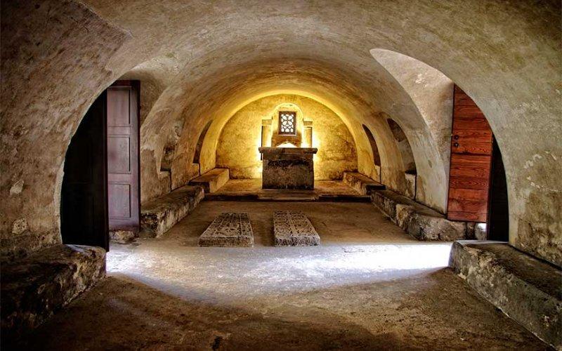 Image générale de la crypte de Sainte-Léocadie