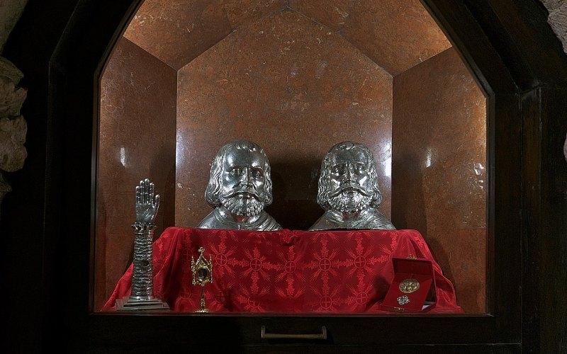 Buste-reliquaires des saints martyrs Emeterio et Celedonio, Crypte du Christ dans la cathédrale de Santander