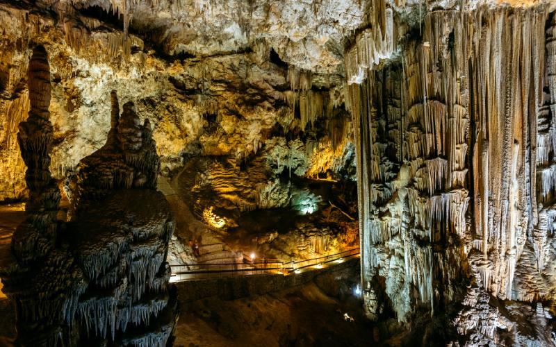 Formations visibles dans la grotte de Nerja