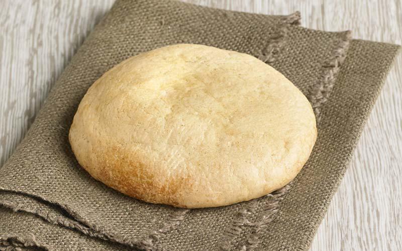 Saindoux colorá sur pain mollete