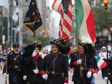 Des drapeaux italiens au lieu des espagnols : l'étrange Columbus Day aux États-Unis
