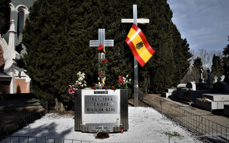 Hommage aux morts de la Division Bleue